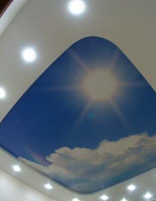 Натяжные потолки Double Vision в гостинную