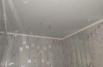 Матовые натяжные потолки в ванной комнате