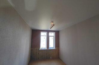 Матовый белый натяжной потолок в детской