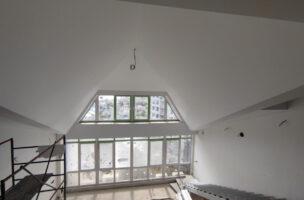 Белые матовые мансардные натяжные потолки MSD Classic