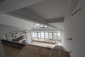 Натяжные потолки на мансардном этаже